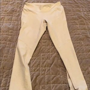 Outdoor Voices 3/4 length small leggings